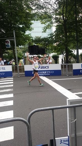 北海道マラソンゴール-001