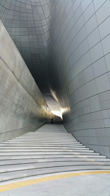 デザインプラザ階段