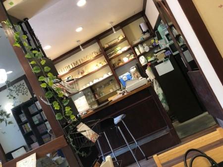 新規喫茶店内
